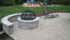 30-techo bloc elena patio with sitting wall and valencia firepit (1)
